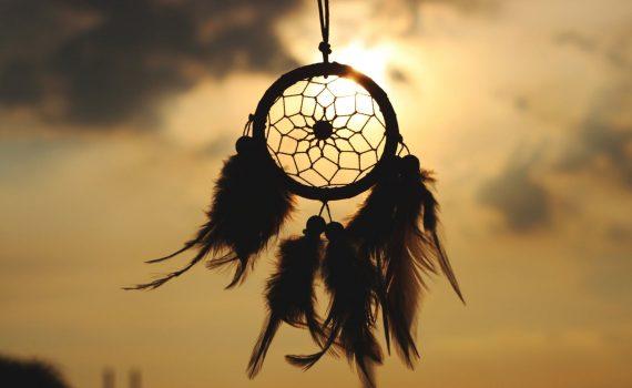 qu'est-ce qu'un attrape-rêves dreamcatcher amérindien indien
