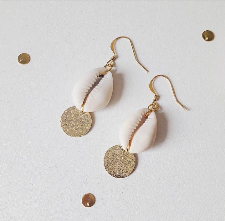 bijoux dorés bohèmes chic été accessoires coquillages nacre fait main artisanat