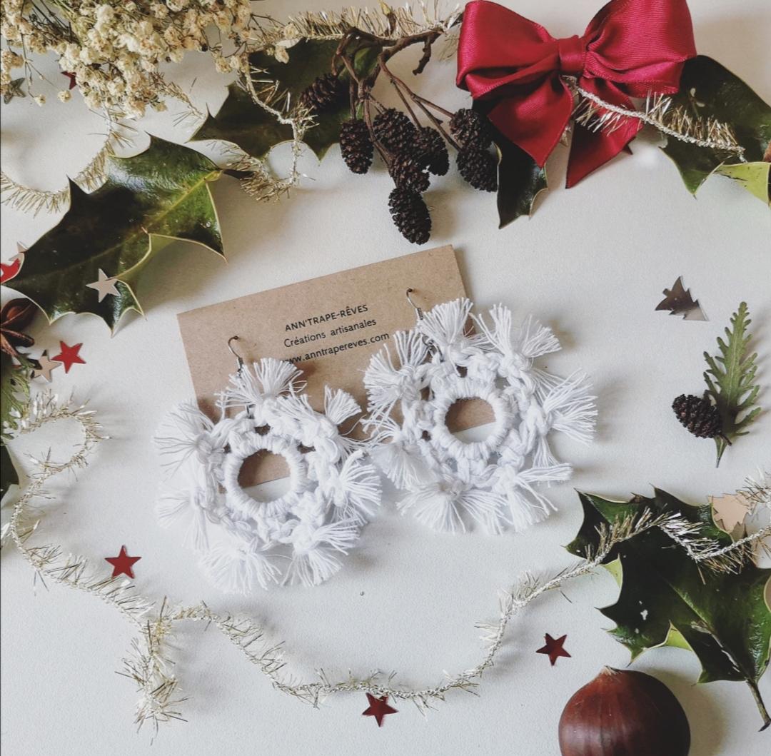 boucles d'oreilles flocons de neige, bijoux faits main artisanaux, fabrication française, créations uniques, bohème chic