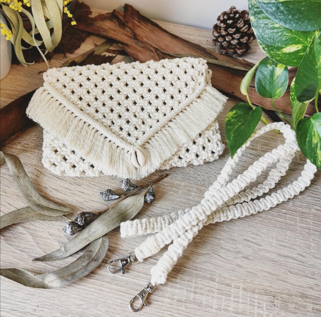 Pochette macramé, sac à main macramé, accessoire bohème artisanal fait main en France, hippie bohème chic