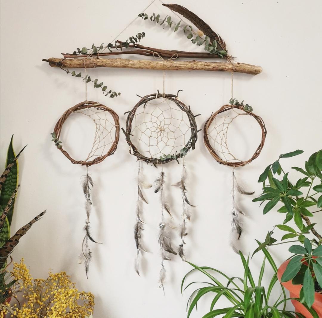 attrape-rêves artisanal phases de la lune, cycle lunaire, décoration murale d'intérieur, tête de lit, création unique, fait main en france