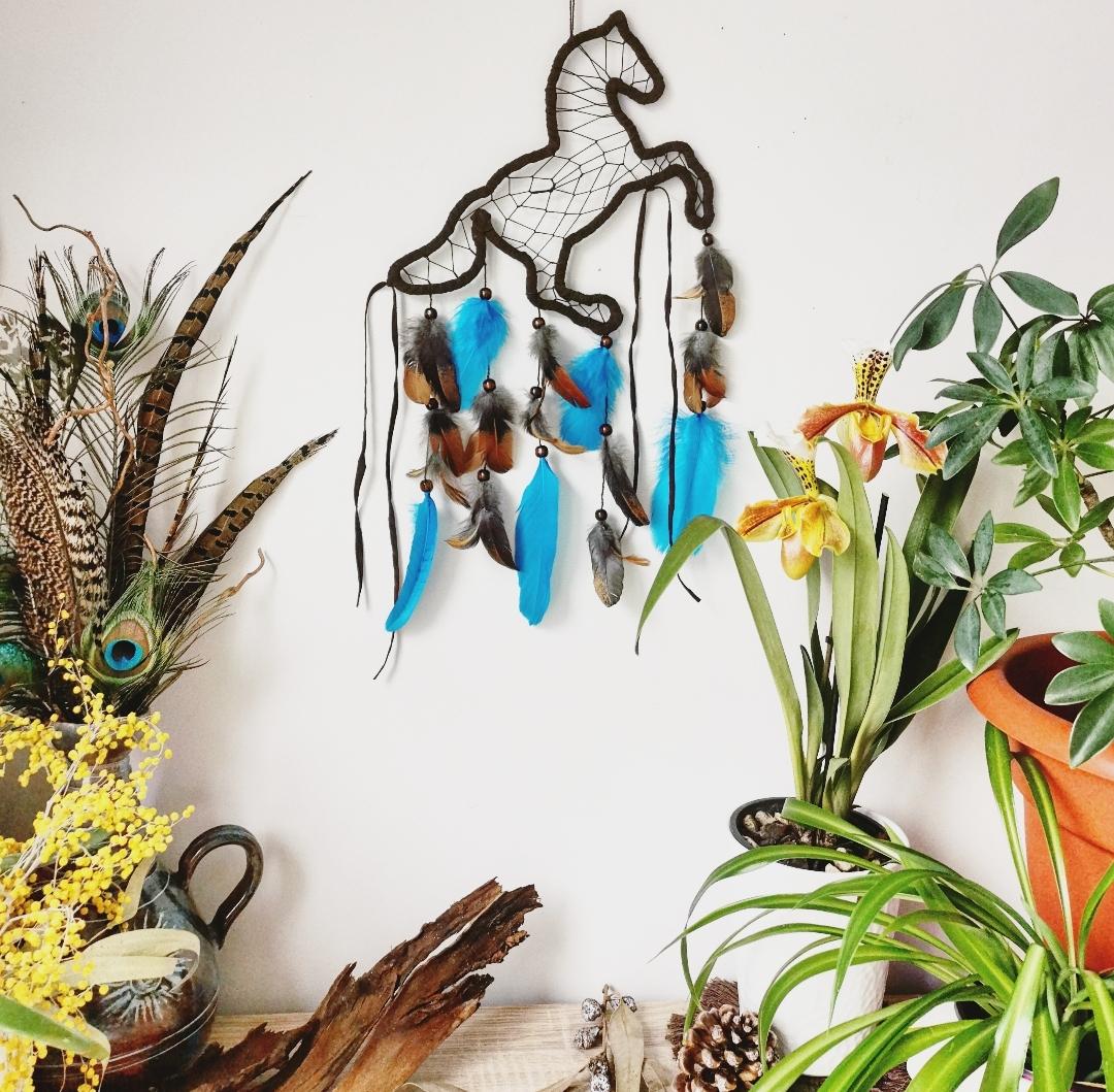 Attrape-rêves artisanal fait main en France, attrape-rêves cheval, décoration murale d'intérieur, fabrication française