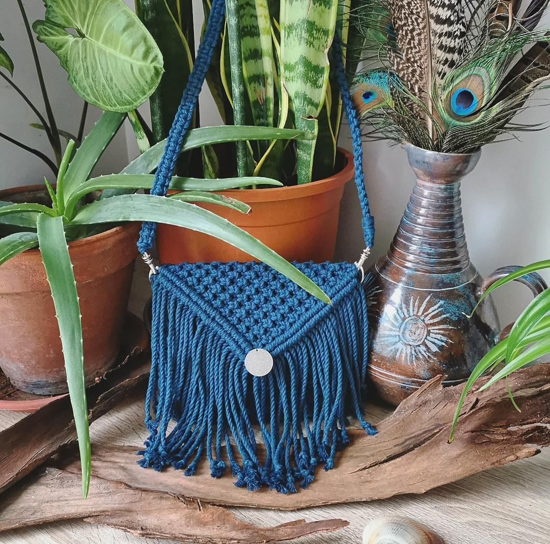sac macramé, pochette bohème, sac à main artisanal, création unique, fait main en france