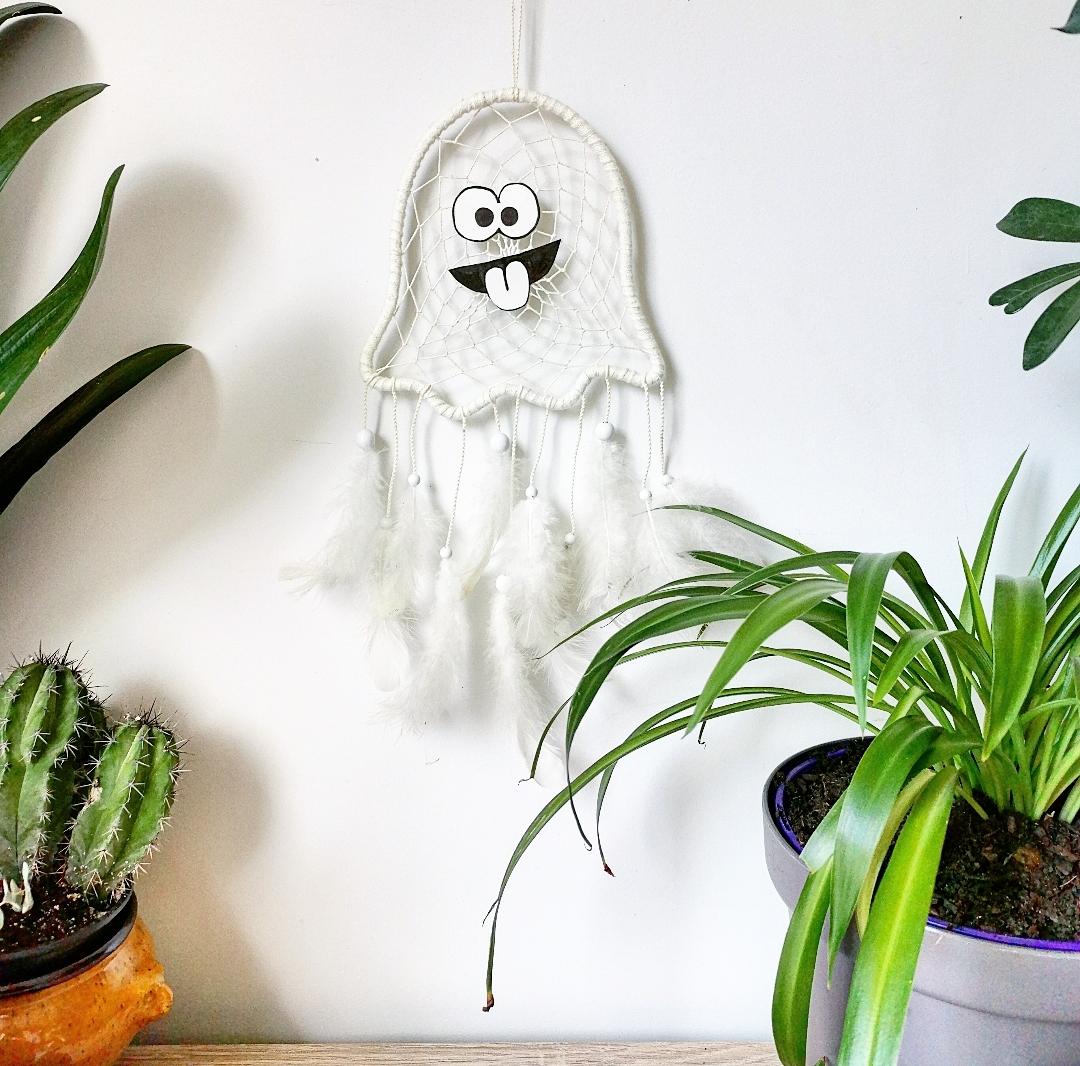 attrape-rêves artisanal fantôme blanc