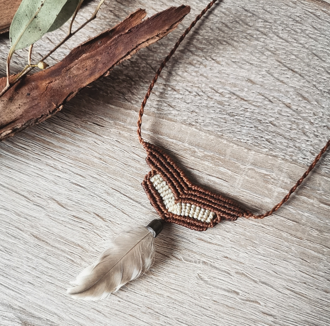 Collier macramé, sautoir ethnique, bijoux bohèmes, artisanat français, création unique, fait main en france