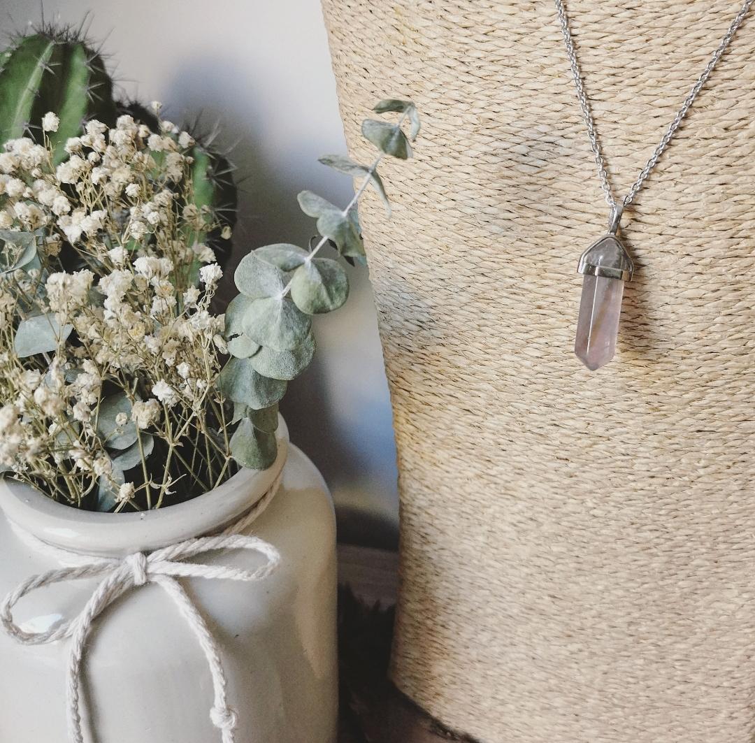 Collier pendentif pierre gemme pointe biterminée, bijoux bien-être lithothérapie