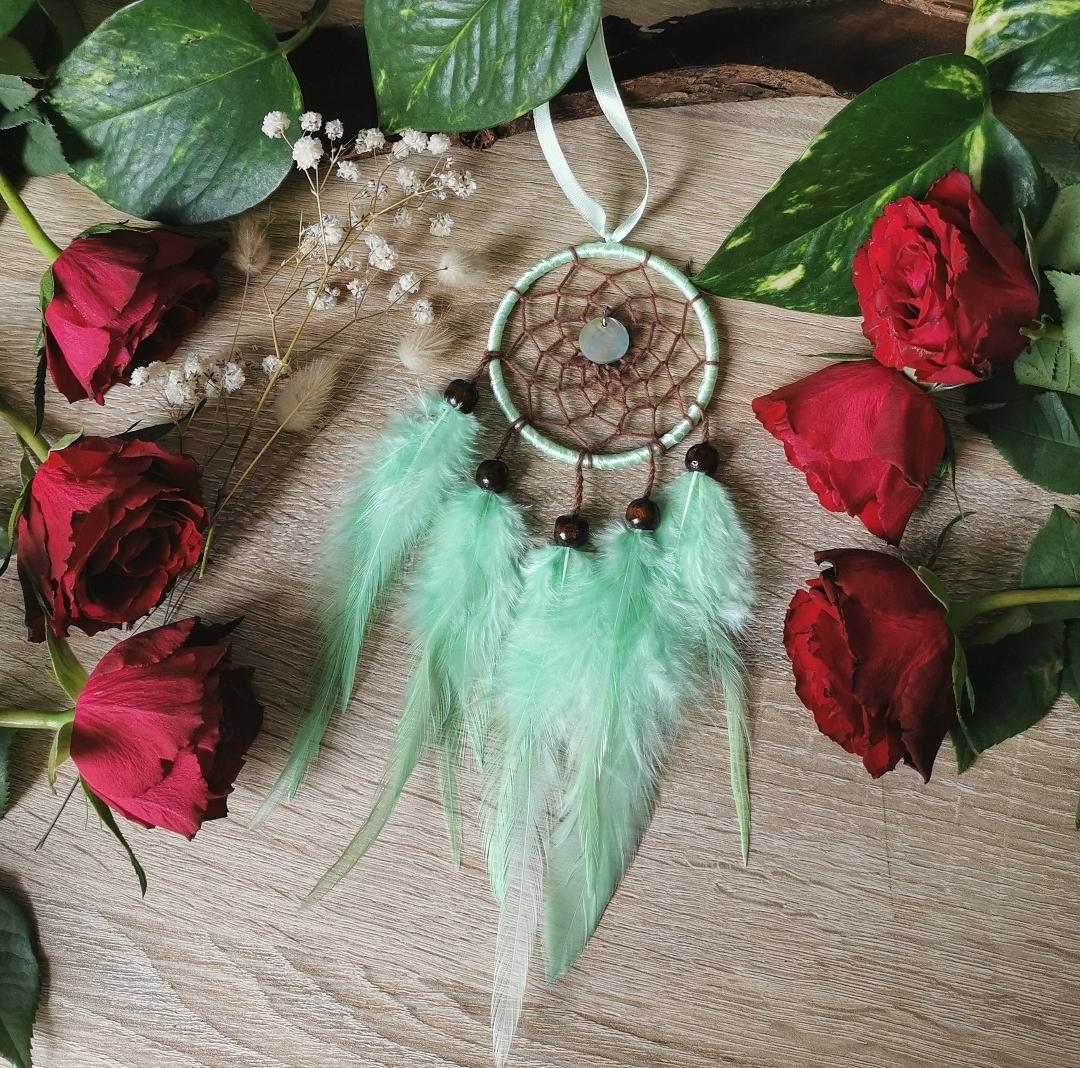 Petit attrape-rêves artisanal fait main en France, mini dreamcatcher bohème, décoration d'intérieur, art mural, hippie, ethnique, création unique, idée cadeau petit prix, petit budget